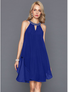 A-Line/Princess Scoop Neck Knee-Length Chiffon Homecoming Dress With Beading