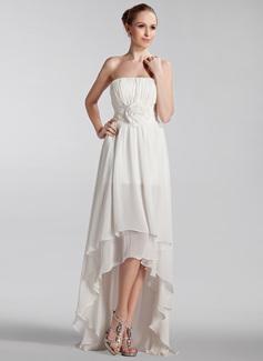 Corte A/Princesa Estrapless Asimétrico Chifón Vestido de novia con Volantes Flores
