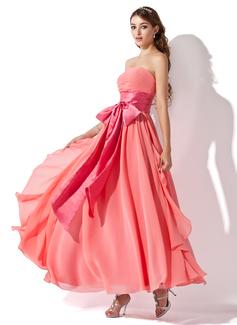 Corte imperial Estrapless Hasta el tobillo Chifón Vestido de baile de promoción con Volantes Fajas Lazo(s) Cascada de volantes